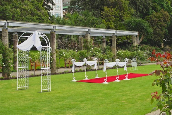 The Botanical Gardens are a beautiful place to hold a wedding!
